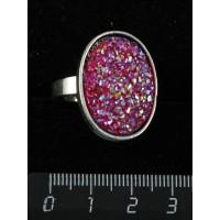 """Кольцо c кабошоном из пластика """"щетка кристаллов"""", цвет малиновый, овал 25х18мм, безразмерное (литая оправа)"""