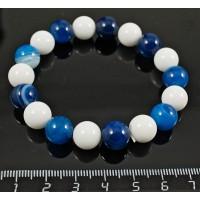 Браслет из агата синего (тонировка) и агата белого (иск.), шарик 10мм