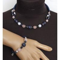 Комплект: колье и браслет на проволоке из лазурита, агата голубого (сапфирин) и кварца розового