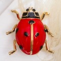 """Брошь """"Божья коровка"""" крупная, цвет красно-черный, цвет золотистый, размер 29х30мм"""