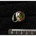 Кольцо с хромдиопсидом и гранатом (кабошон-мозаика), круг 18мм, безразмерное