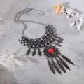 """Колье """"Ажурные перья"""" круг, цвет красный в чернённом серебре, L=35 см"""