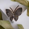 """Брошь """"Бабочка"""", цвет чёрный, цвет золотистый (стекло, стразы, бижутерный сплав)"""