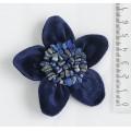 """Брошь из лазурита и бархата """"цветок"""" малая, диаметр 7см"""