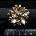 """Кольцо для платка """"лилия"""", стразы, цвет коричневый+золотистый"""