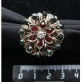 """Кольцо для платка """"сказочный цветок """", стразы, цвет зеленый+красный+золотистый"""